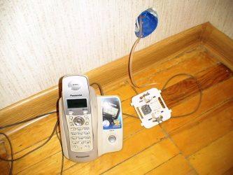 Как подключить старый телефон к новой розетке?