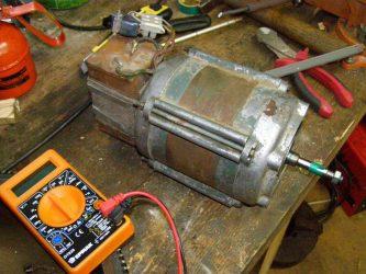 Почему греется конденсатор на электродвигателе?