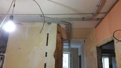 Как менять проводку в панельном доме?