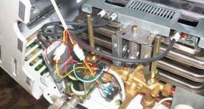 Почему не зажигается газовая колонка вектор?