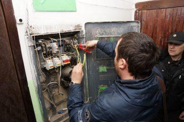 Отключили электричество за неуплату как подключить?