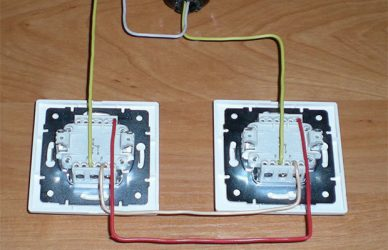 Как сделать проходной выключатель своими руками?