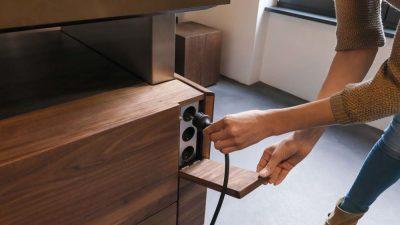 Как спрятать розетки на кухне?
