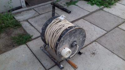 Как сделать катушку для кабеля своими руками?